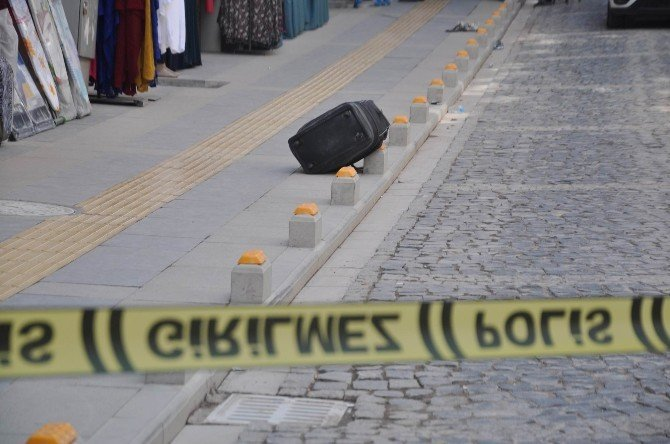 Sivas'ta şüpheli valiz panik yaşattı