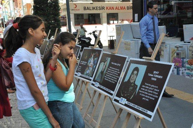 Darbeye karşı duran kadınlar sergisi