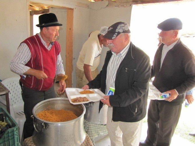 Şeyhler köyünde bin kişiye hayır yemeği