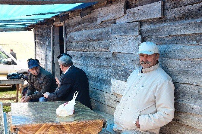 Karadeniz yaylalarında pazar ve göçebelik hayatı sürdürülüyor