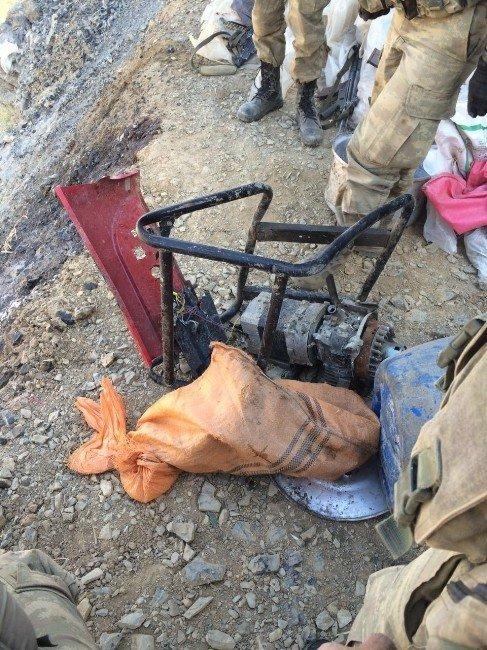 Çukurca kırsalında mühimmat ve bazı teröristlerin cesetleri bulundu