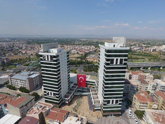 Dev Türk bayrağı çok yakıştı