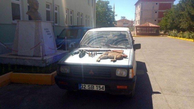 Konya'da projektörle tavşan avlayan 4 kişiye 9 bin 600 lira ceza