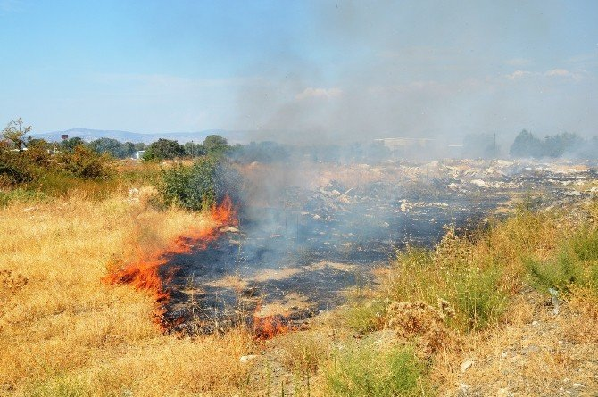 Sanayi bölgesinde çıkan yangın korkuttu
