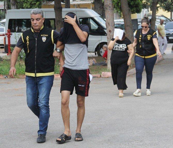 Anne ve oğlu fuhuştan tutuklandı