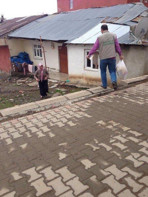 Bingöl'de 139 aileye gıda yardımı