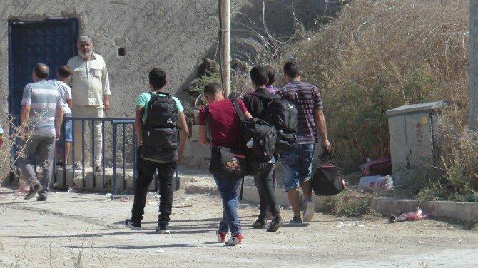 Suriyelilerin geçişi devam ediyor