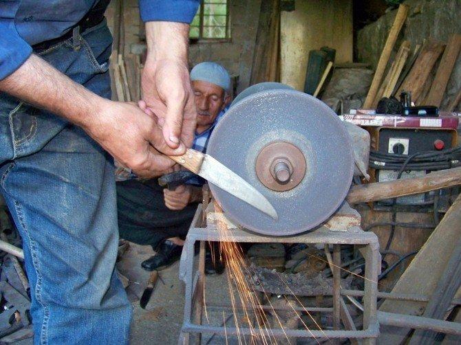Hassa'da kurban bıçakları bayrama hazırlanıyor