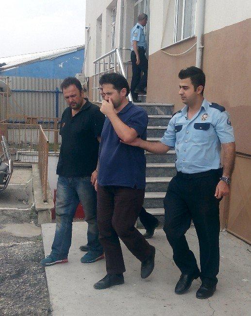 FETÖ'cü doktor ve öğretmen şişme botla Yunanistan'a kaçarken yakalandı