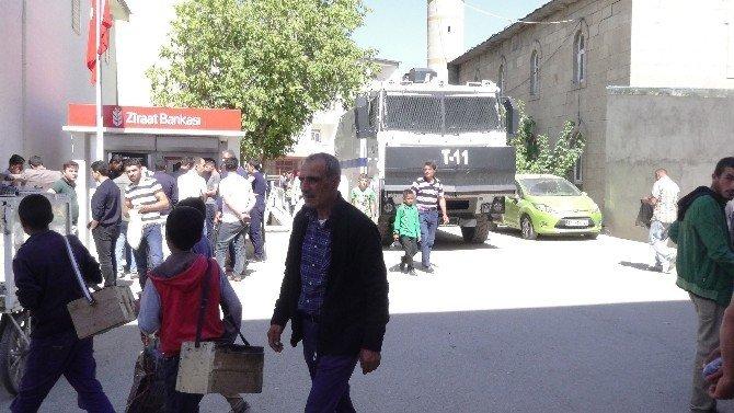 Kaymakam Çeviren, belediye binasına gelerek göreve başladı