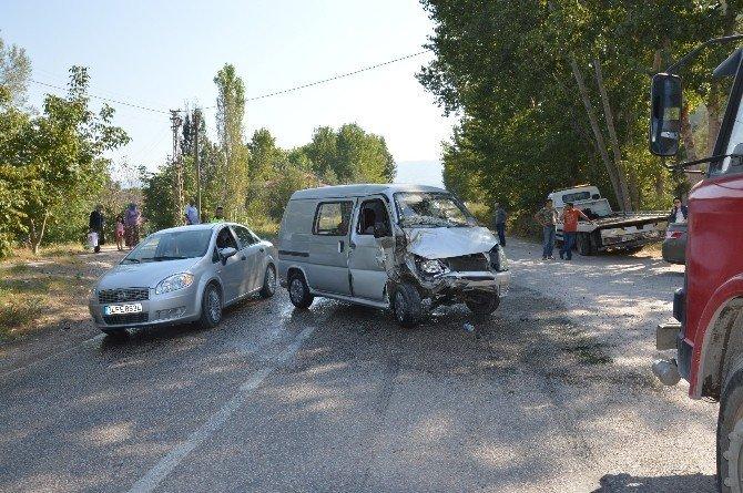 Tokat'ta trafik kazası: 4 yaralı
