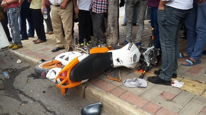 Samsun'da motosiklet ile otomobil çarpıştı: 2 yaralı
