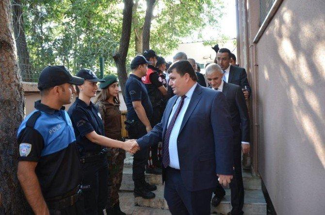 Erzincan'da toplu bayramlaşma töreni düzenlendi