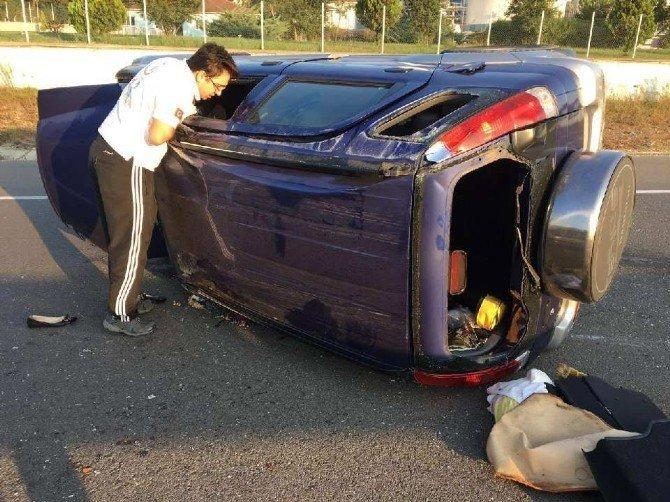 Bilecik'te otomobil takla attı: 3 yaralı