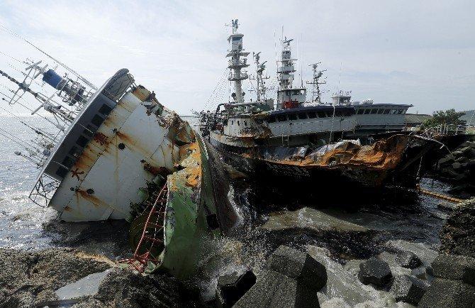 Meranti tayfunu sebebiyle 11 kişi hayatını kaybetti