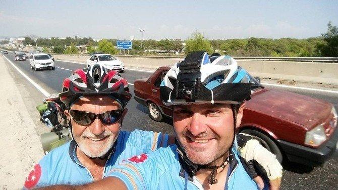 Bisiklet tutkunları Antalya'ya kadar pedal çevirdi