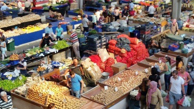 Halk pazarında fiyatlar ucuzladı