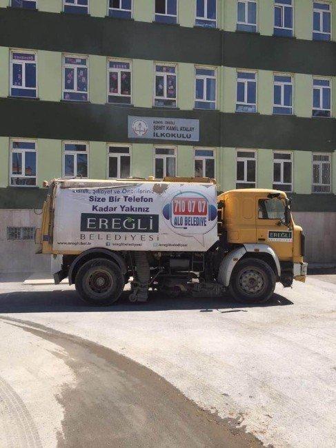 Ereğli Belediyesi okulları temizledi
