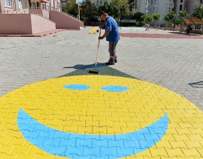 Muratpaşa Belediyesi okulları yeni döneme hazırladı