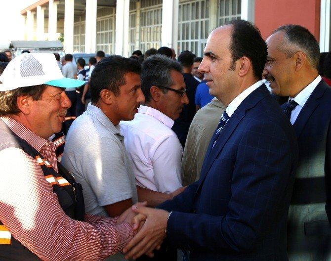 Başkan Altay, belediye personeli ile bayramlaştı