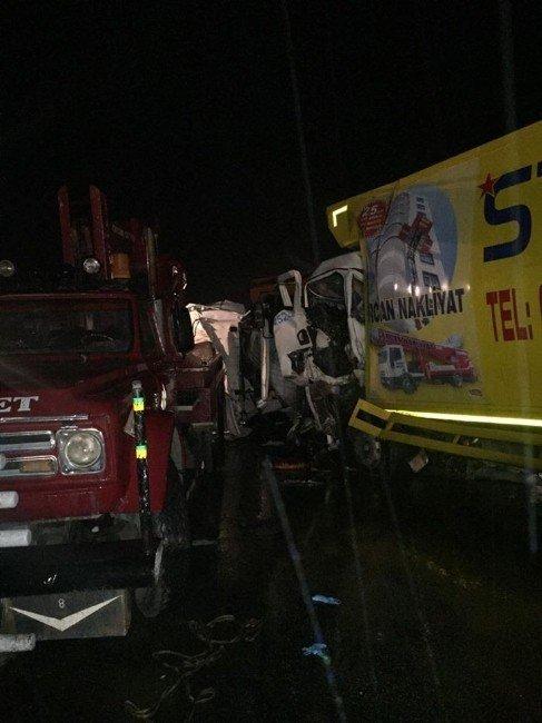 Afyonkarahisar'da trafik kazası: 3 ölü