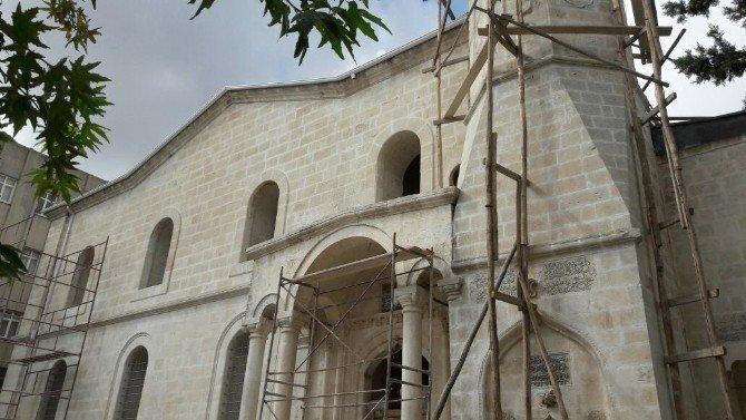 Adıyaman Ulu Camii'nde restorasyon uzadı