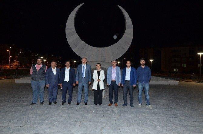 Çalık '15 Temmuz Milli İrade Anıtı'nda incelemelerde bulundu