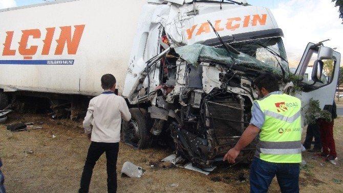 Tatvan'da trafik kazası: 1 ölü, 6 yaralı