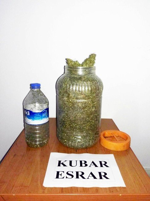 Turşu bidonunda 2 kilo esrar ele geçirildi