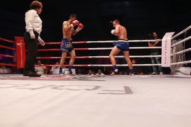 Mix Fight Kick Boks Dostluk Turnuvası Kocaeli'de yapıldı