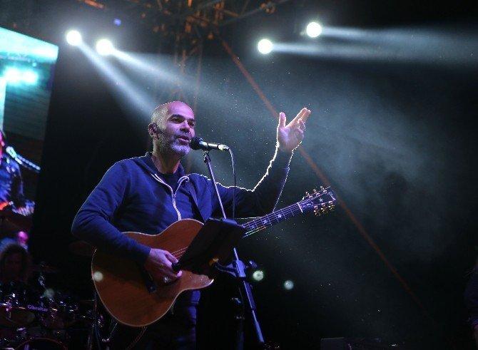 Yüksek Sadakat'ten muhteşem konser