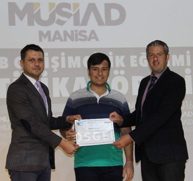 MÜSAD'tan 30 girişimciye girişimcilik belgesi