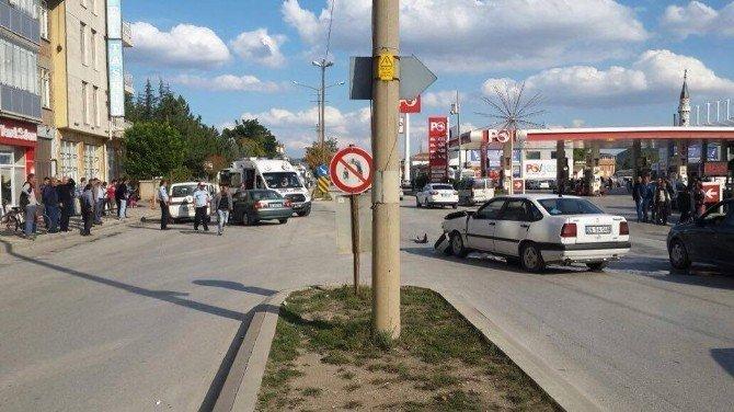 Bozüyük'te zincirleme trafik kazası, 6 yaralı