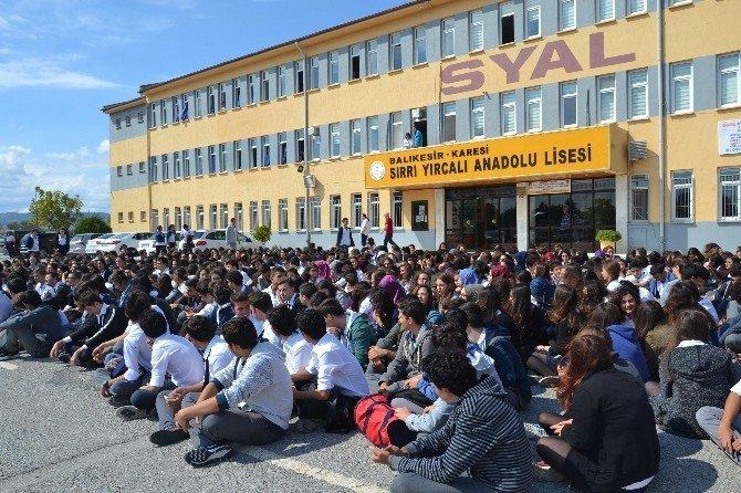 Öğrencilerden öğretmen isyanı