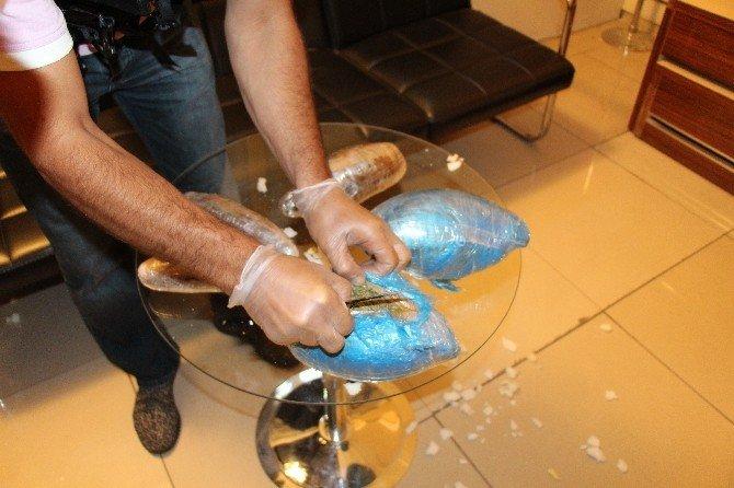 Pelüş oyuncak ayı içerisinde uyuşturucu sevkiyatına polis engeli