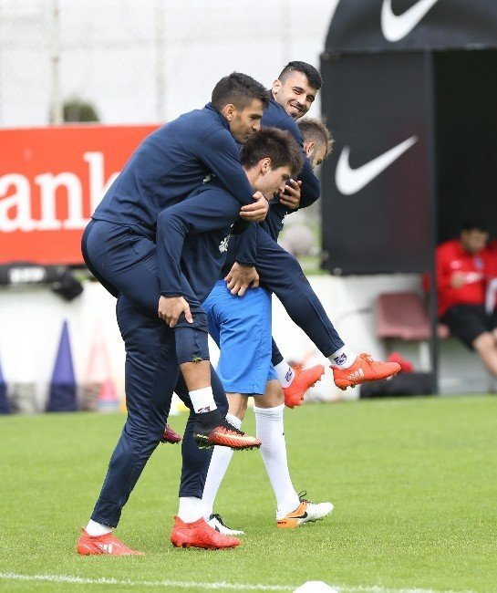 Trabzonspor Kardemir Karabükspor maçı hazırlıklarını sürdürüyor