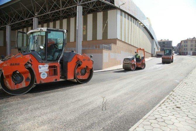 Emek Kapalı Pazar çevresinde asfalt çalışmaları