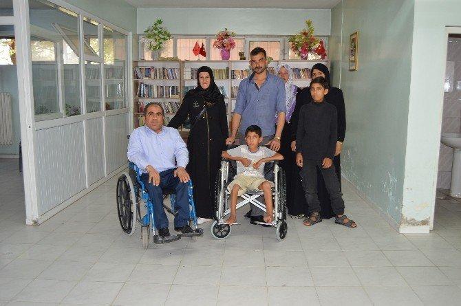 İç savaşta vurulan Suriyeli Muhammed'e tekerlekli sandalye yardımı
