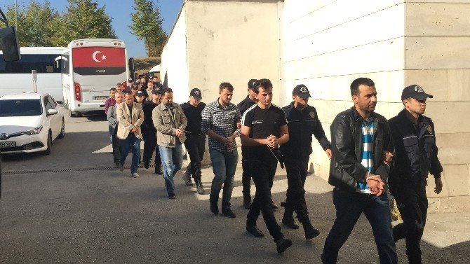 Sakarya İl Emniyet Müdürlüğünde görevli 30 polis adliyeye sevk edildi