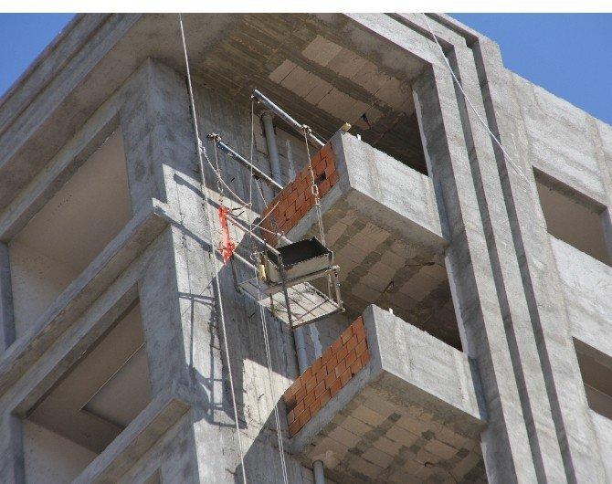 10. kattan düşen inşaat işçisi öldü