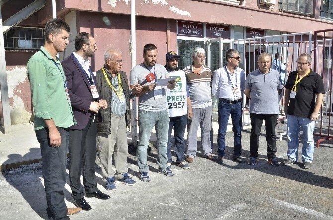 Gazeteciler 'Zulüm merdivenine' tepki gösterdi
