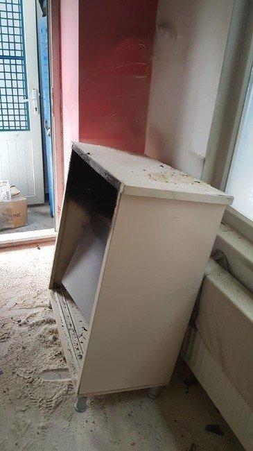 İş yeri yangını itfaiye ekiplerince söndürüldü