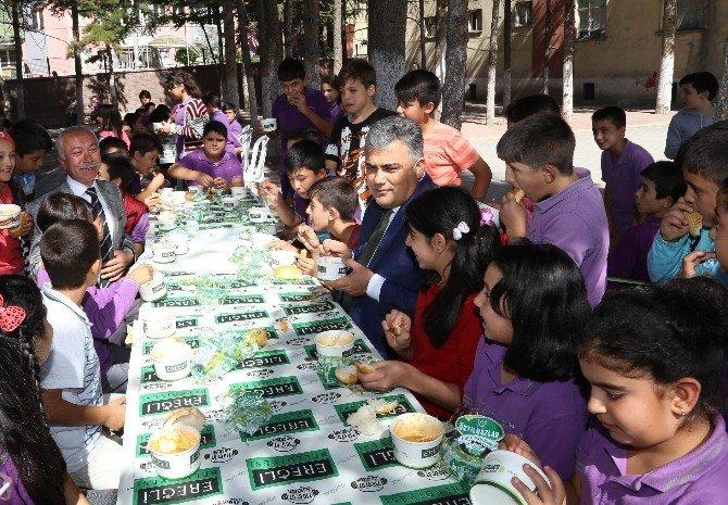 Ereğli Belediyesi öğrencilere çorba dağıttı
