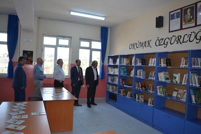 Hayırsever İşcan, Osmaneli'ye ikinci kütüphanesini kazandırdı