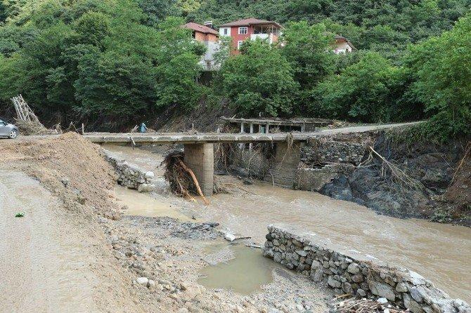 Selde yıkılan köprüler yeniden yapılacak