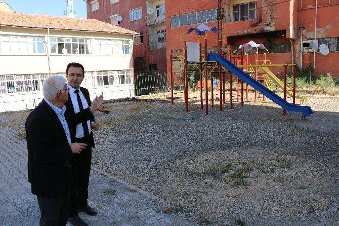 Başkan Millioğulları okul ziyaretlerine başladı