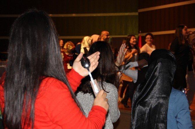 Erzurum 1001 kaşık tek ritimle Guinness Rekorlar Kitabında