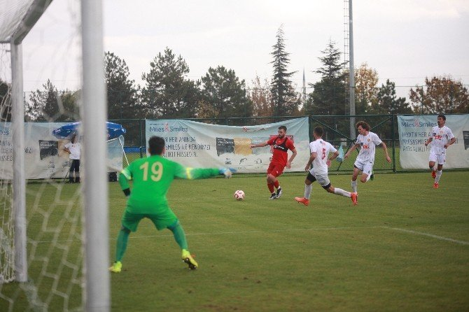 Eskişehirspor, U-21 takımı ile karşılaştı