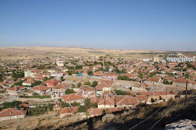 Yenifakılı Belediyesi 250 bin metrekare kilitli parke döşedi