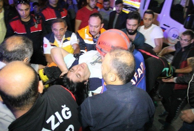 50 metrelik uçuruma yuvarlanan kadını ekipler güçlükle kurtardı